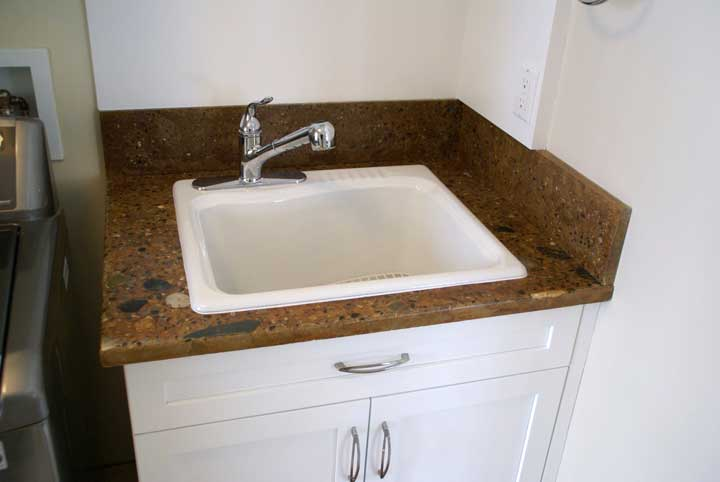 Laundry sink countertop best home design 2018 for Laundry room sink and countertop